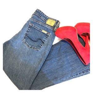 LEVIS midrise jeans.